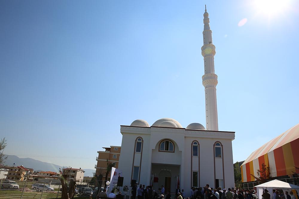 Inaugurohet Xhamia e re në Sauk, Tiranë