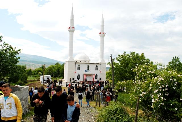 Pukë, inaugurohet xhamia e fshatit Qerret