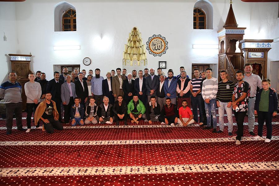 """Nisin mbrëmjet fetare """"Frytet e Besimit"""" në Xhaminë Mbret të Elbasanit"""
