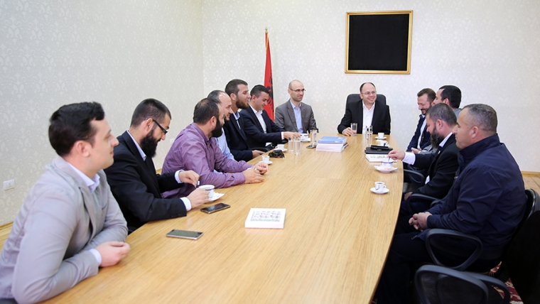 Kryetari i KMSH-së takim me imamët e Fierit