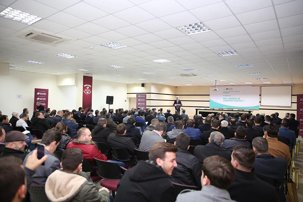 """Zhvillohet konferenca e tretë: """"Roli i imamëve në shoqërinë moderne"""""""