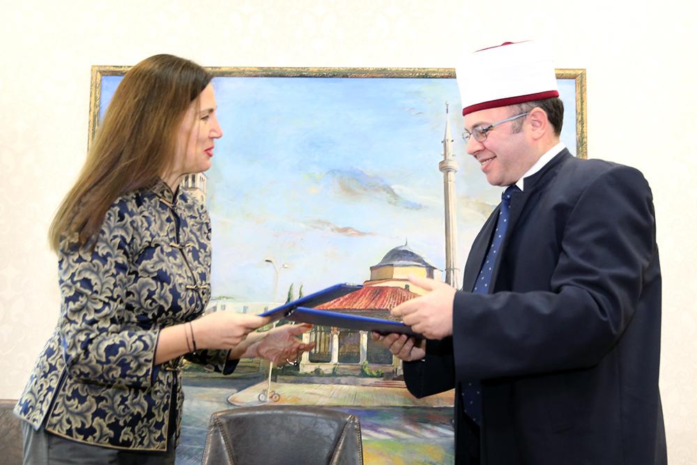 Firmoset marrëveshja e restaurimit të 5 xhamive