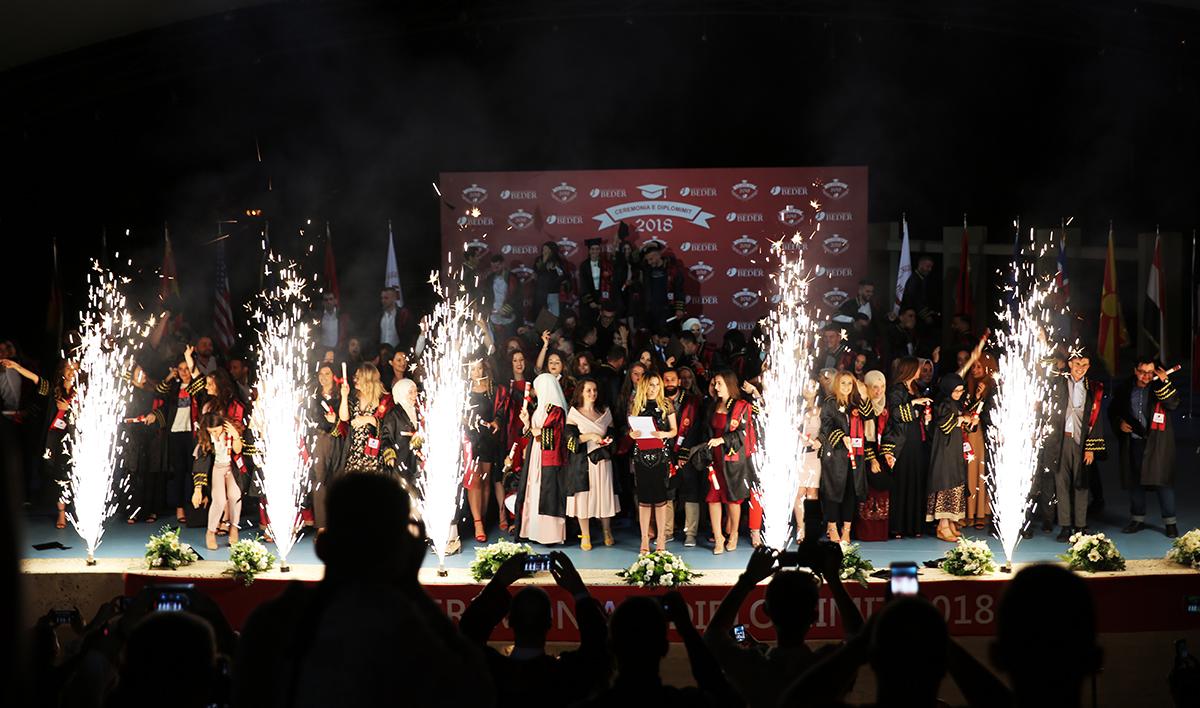 Kolegji Universitar Bedër diplomon brezin e 5-të të studentëve