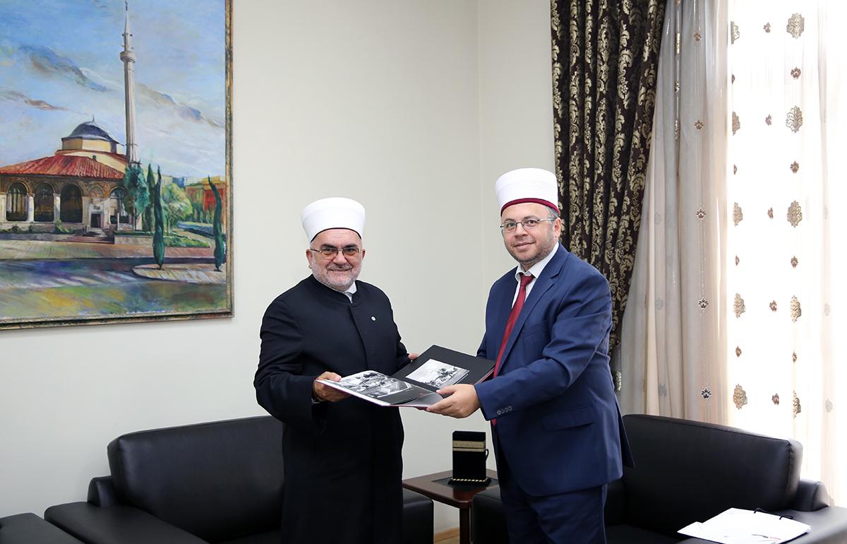 Kryetari i Bashkësisë Islame të Serbisë viziton Komunitetin Mysliman të Shqipërisë