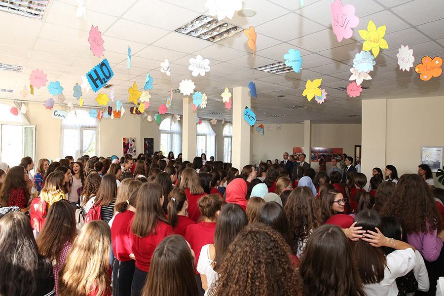 Viti i ri shkollor, nënkryetari i KMSH-së uron nga Medreseja e Tiranës