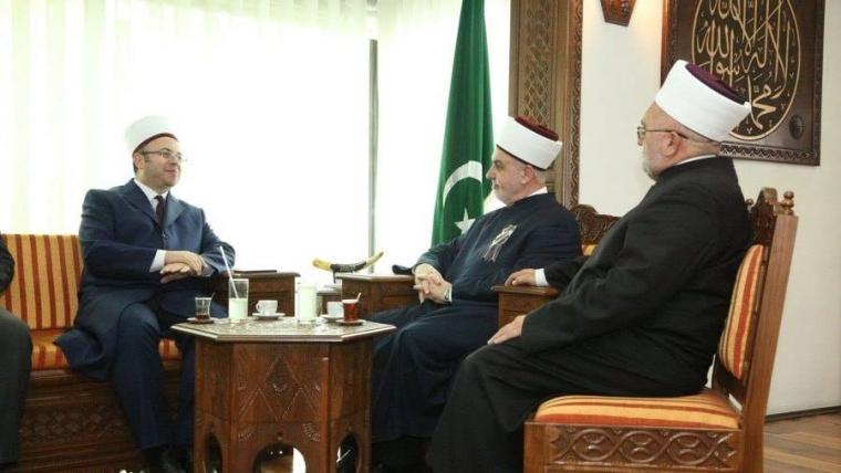 Kryetari i KMSH-së merr pjesë ceremoninë e 25 vjetorit të themelimit të Komunitetit Mysliman të Serbisë