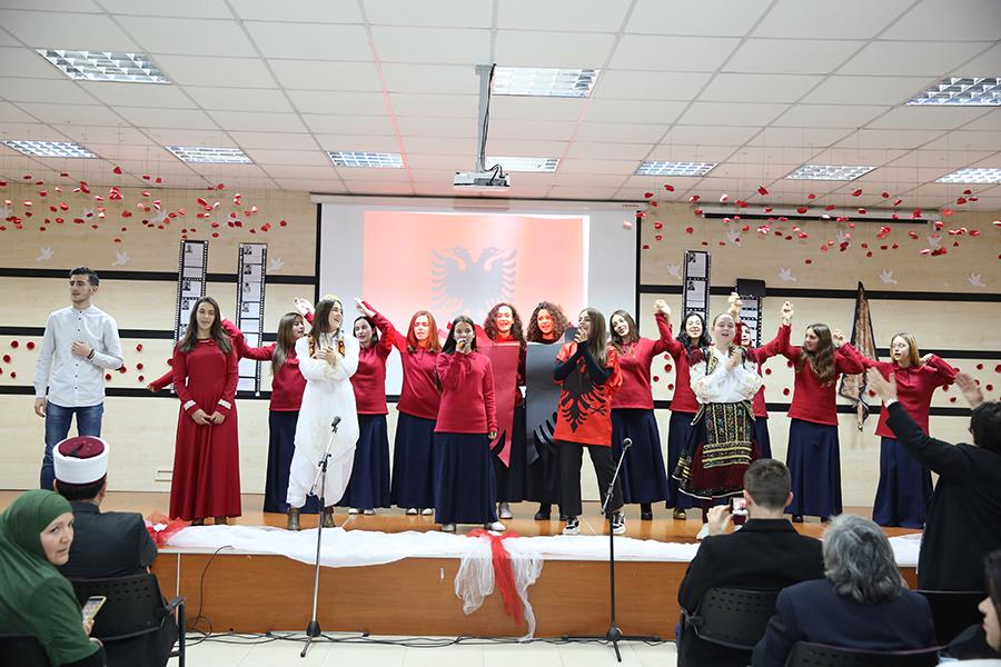 Zhvillohet programi artistiko-fetar me rastin e festave të nëntorit