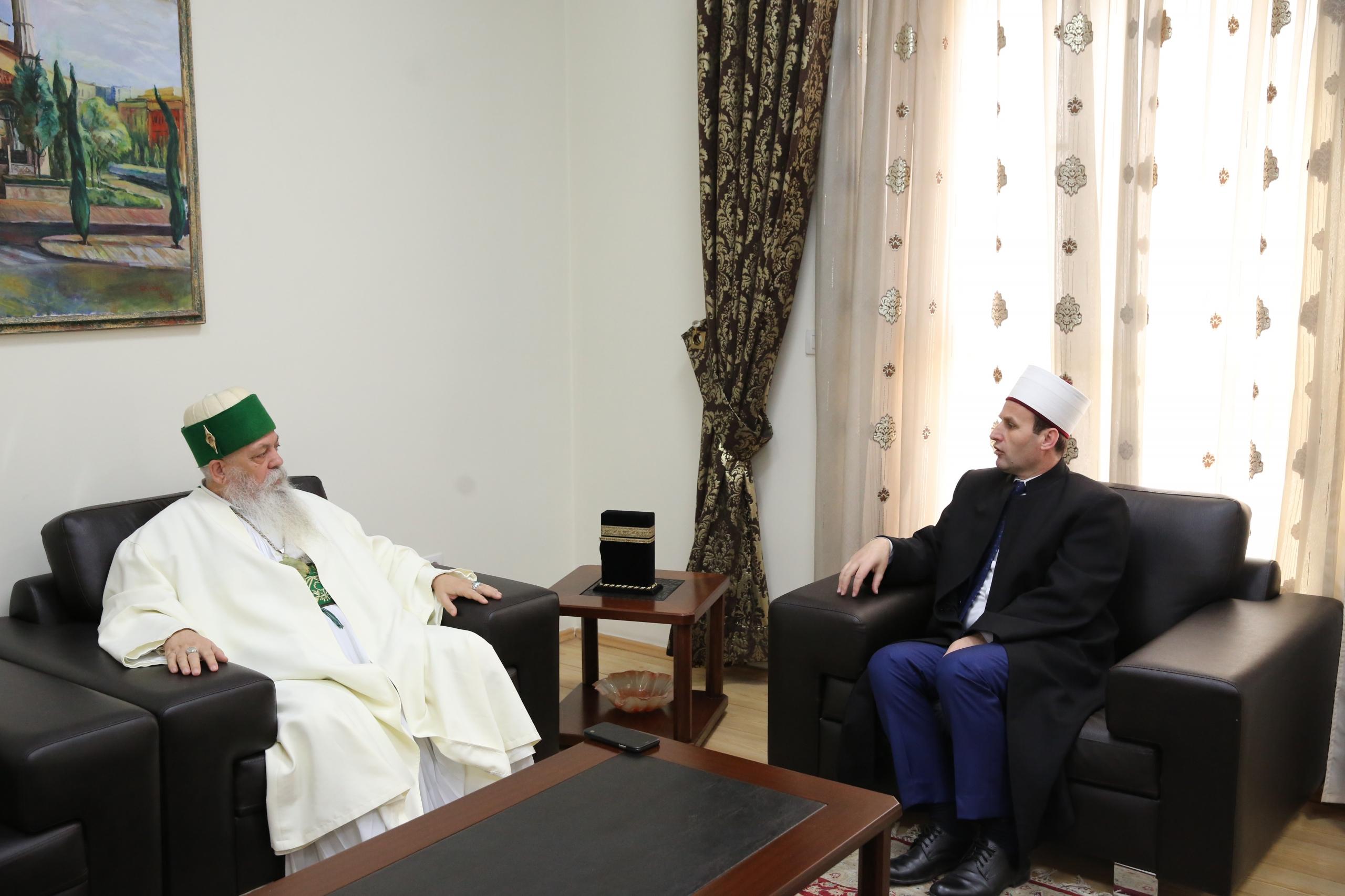 Kreu i Kryegjyshatës Botërorë Bektashiane uron kryetarin e KMSH-së