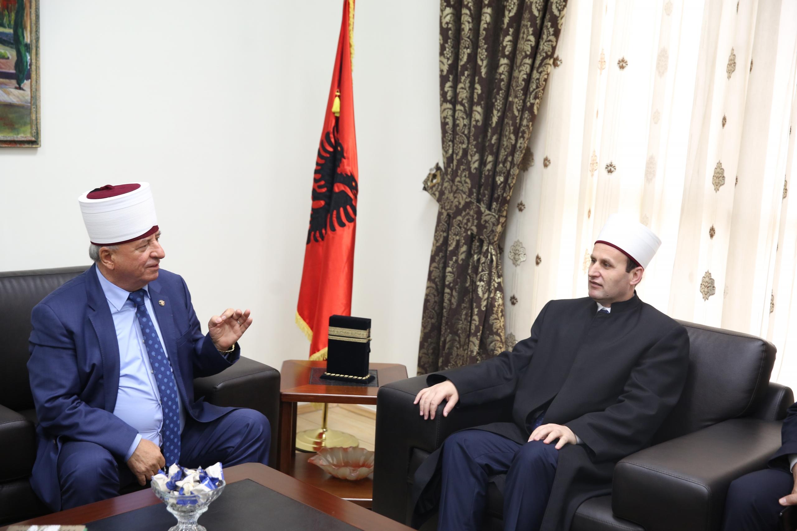 Kreu i KMSH-së pret në takim kryetarin e BFI të RMV, H. Sulejman ef. Rexhepin