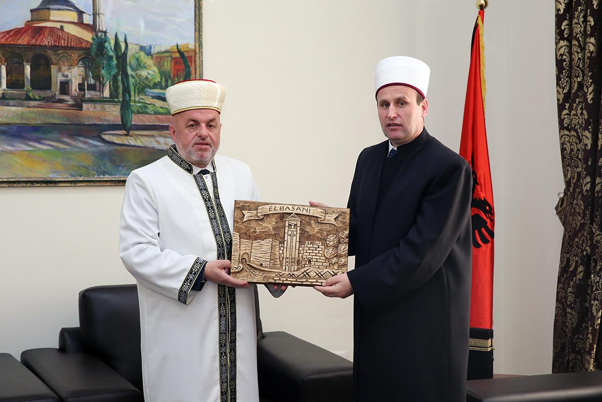 Myftinia e Elbasanit uron kreun e KMSH-së
