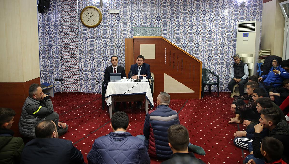 """Cikli i mbrëmjeve fetare """"Frytet e Besimit"""" u ndal këtë javë në Xhaminë e Medresesë, Tiranë"""