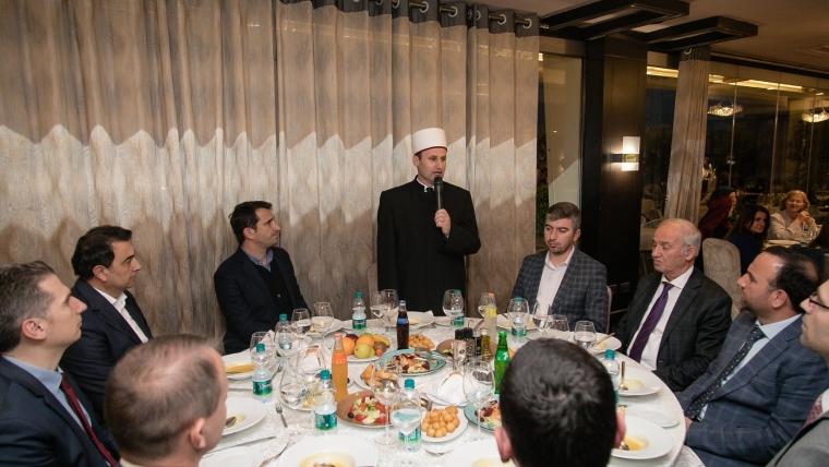 Bashkia Tiranë shtron iftar për Komunitetin Mysliman të Shqipërisë