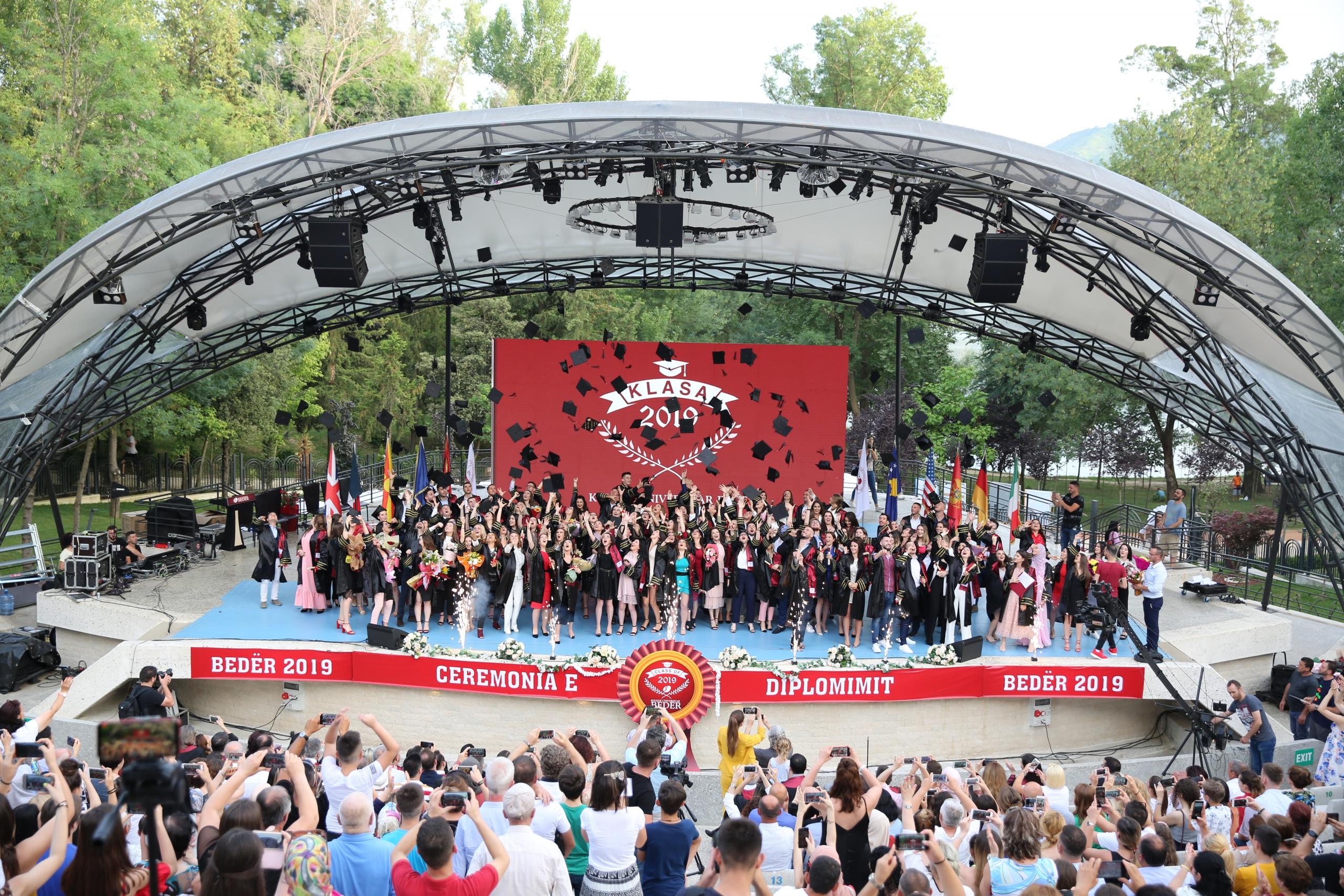 Kolegji Universitar Bedër diplomon brezin e 6-të të studentëve