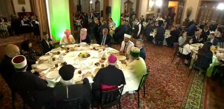 Kryeministri Rama shtron iftar në Natën e Kadrit