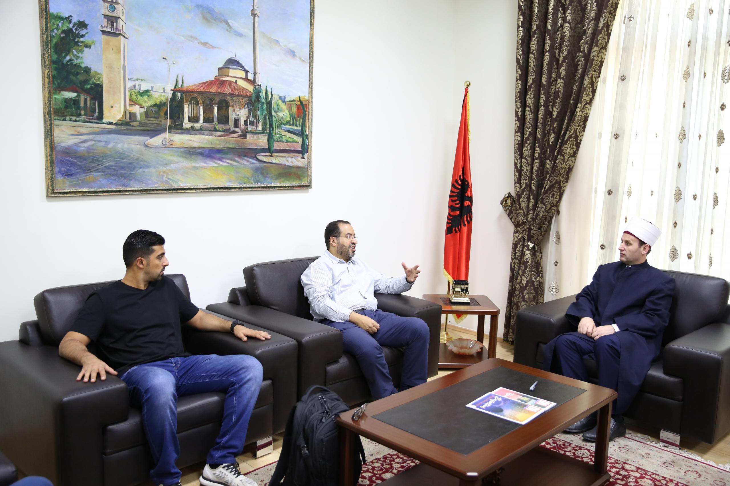 Kreu i KMSH-së pret në takim përfaqësuesin e Shtëpisë së Zekatit në Kuvajt