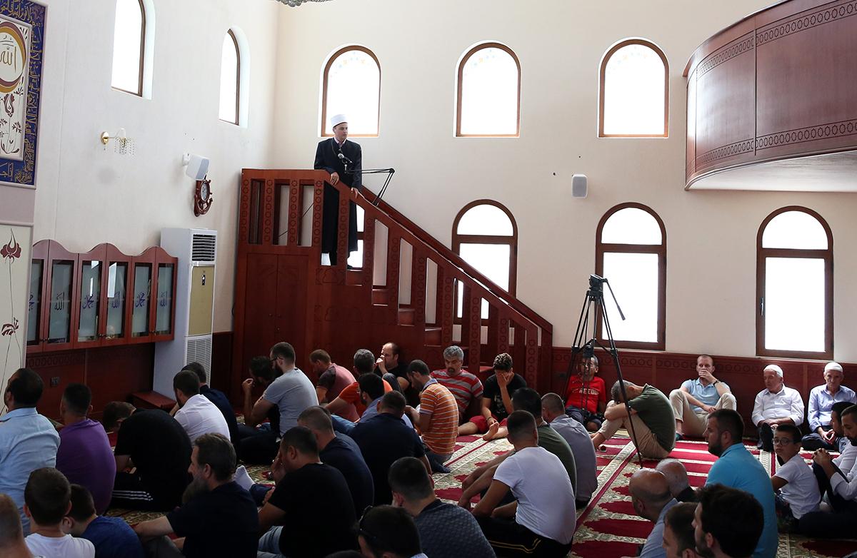 Nënkryetari i KMSH-së mban hytbe në Xhaminë e Selitës, Tiranë
