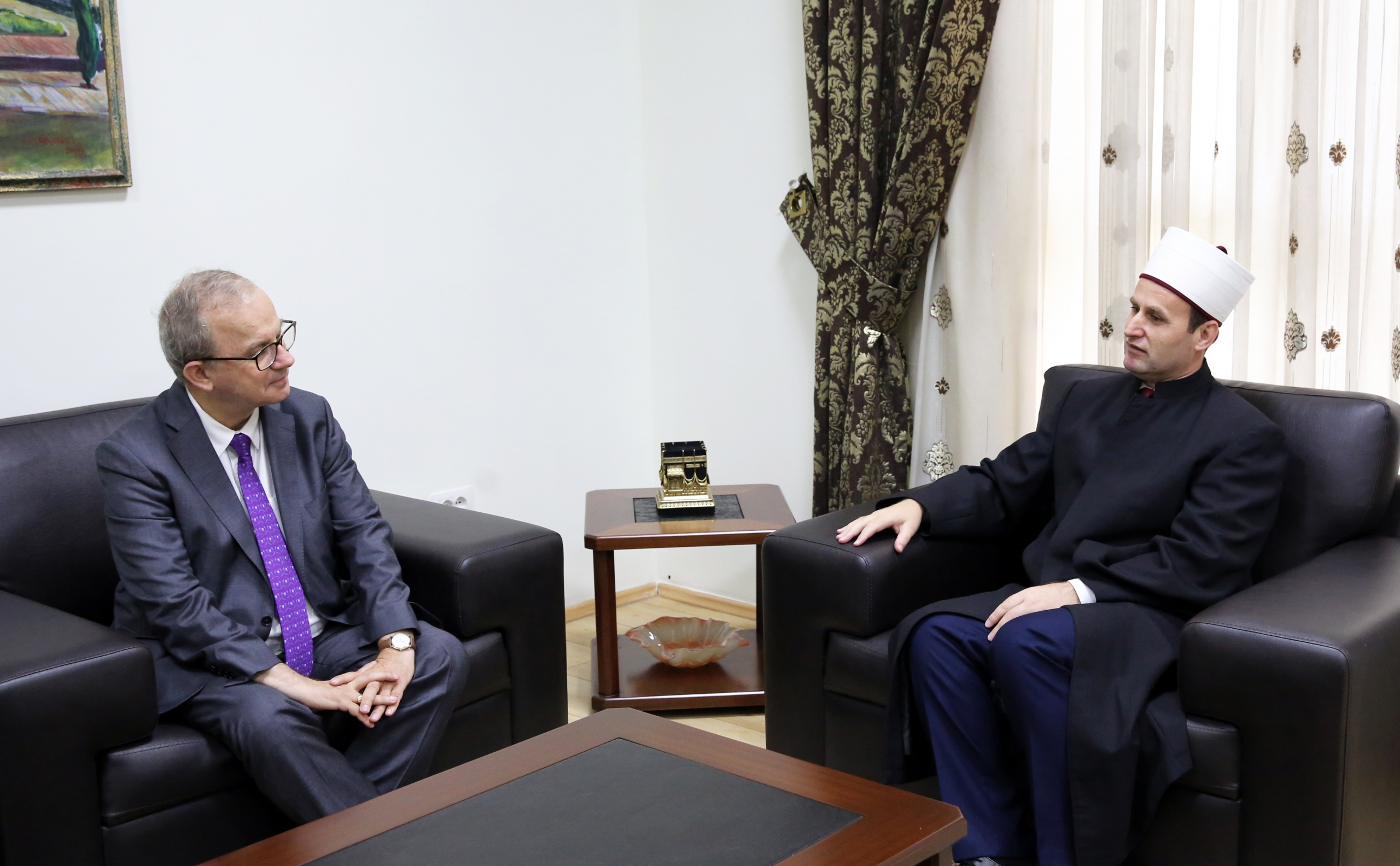 Kreu i KMSH-së takim me zv/presidentin e Federatës Universale të Paqes