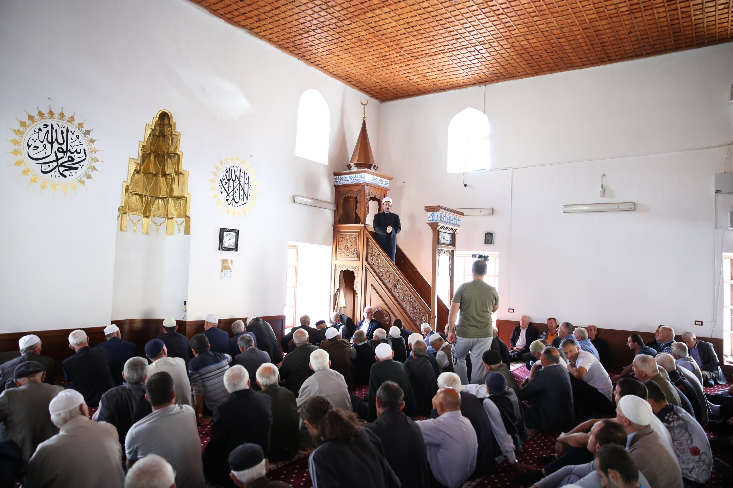 Kreu i KMSH-së mban hytbe në Xhaminë Mbret në Elbasan