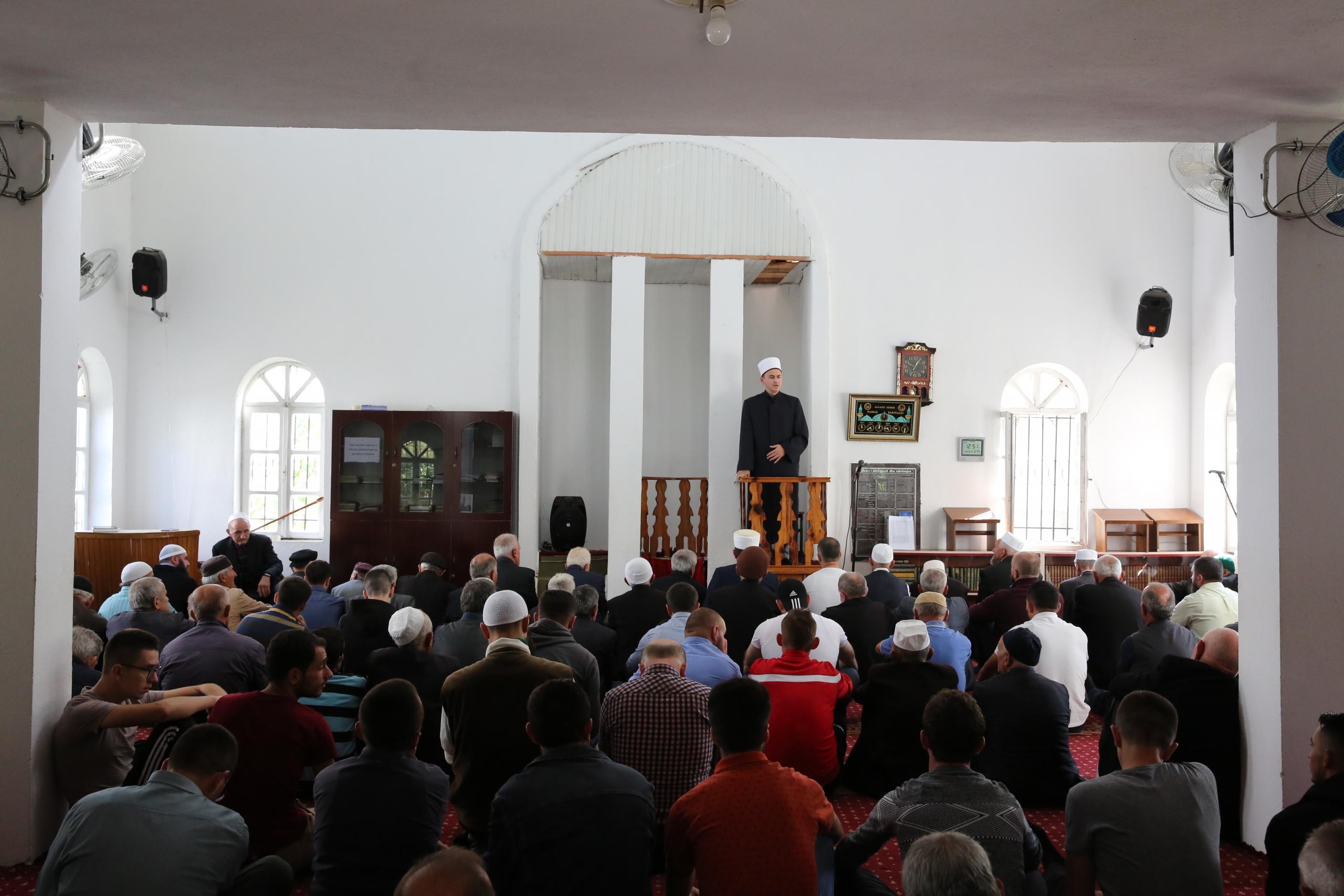 Nënkryetari i KMSH-së mban hytbe në Xhaminë e Qendrës në Librazhd