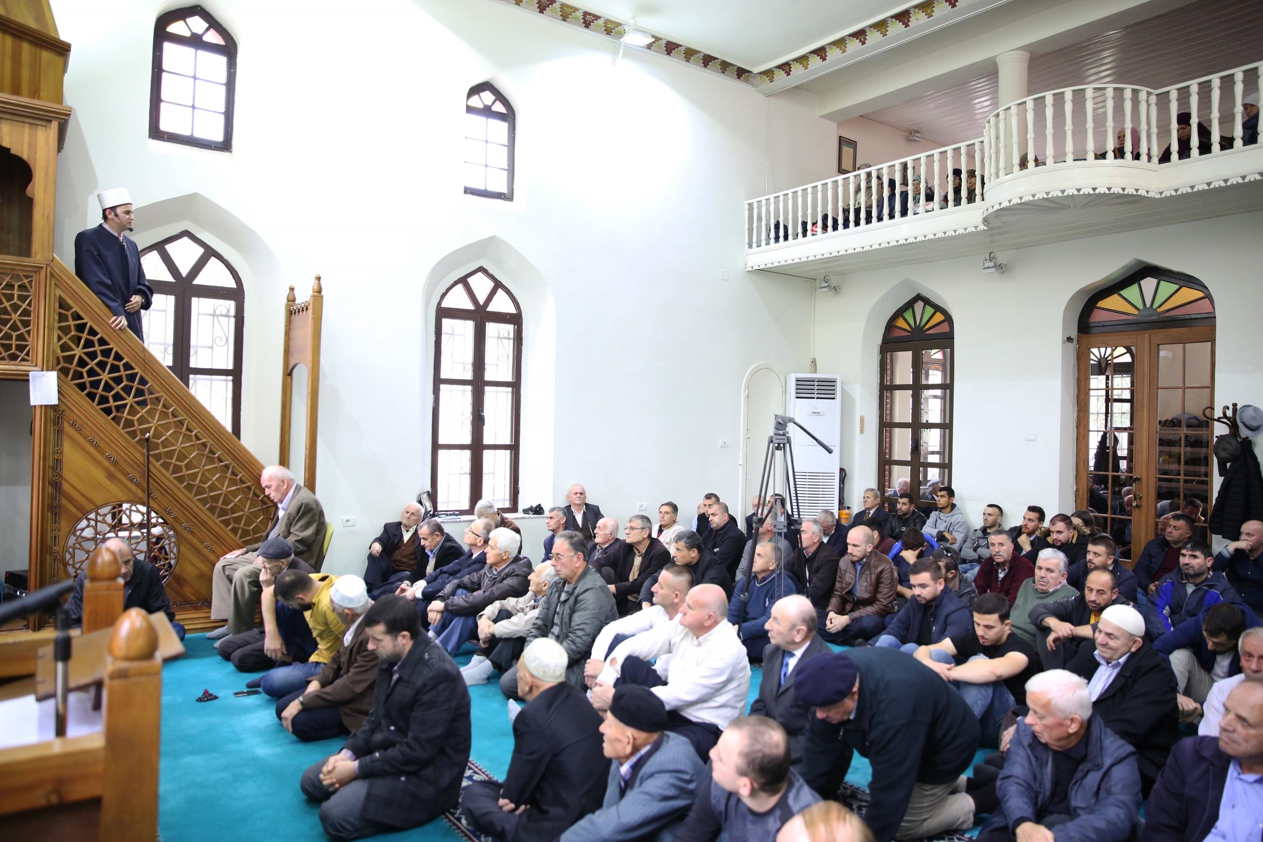 Nënkryetari i KMSH-së mban hytbe në Xhaminë e Pazarit të Ri në Tiranë