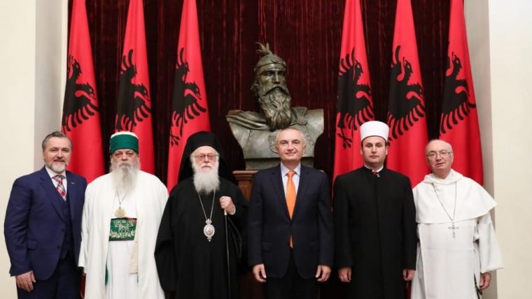 Presidenti Meta takon krerët e komuniteteve fetare