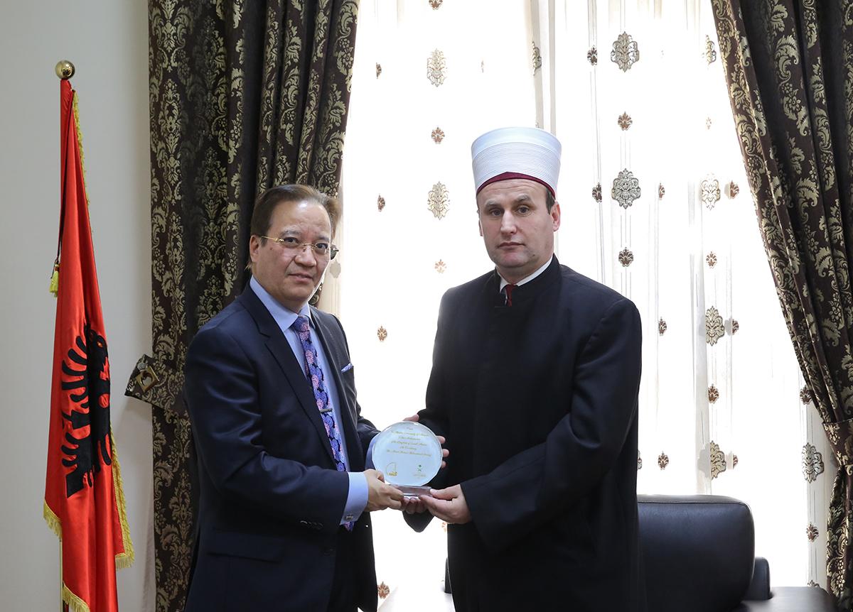Ambasadori i Arabisë Saudite në Tiranë viziton KMSH-në