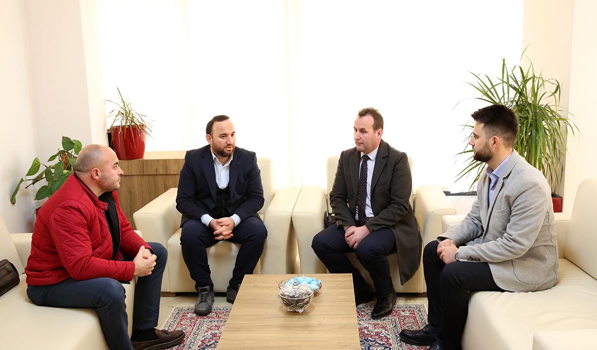 Kryetari i KMSH-së viziton Myftininë e Vlorës