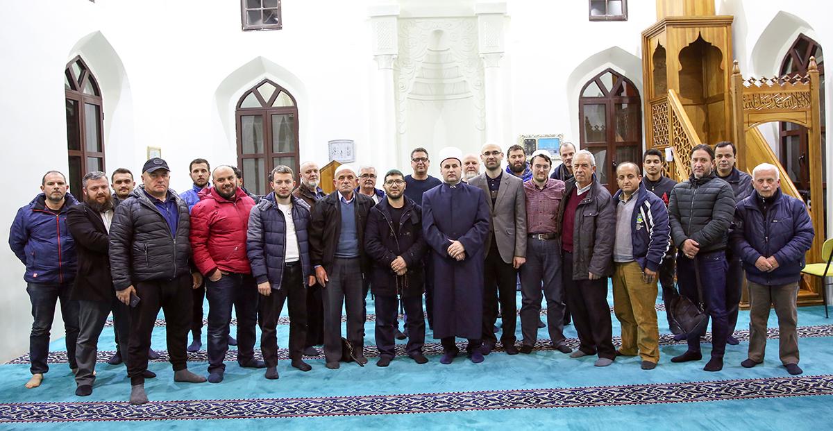Frytet e Besimit zhvillohen në xhaminë e Pazarit të Ri, Tiranë