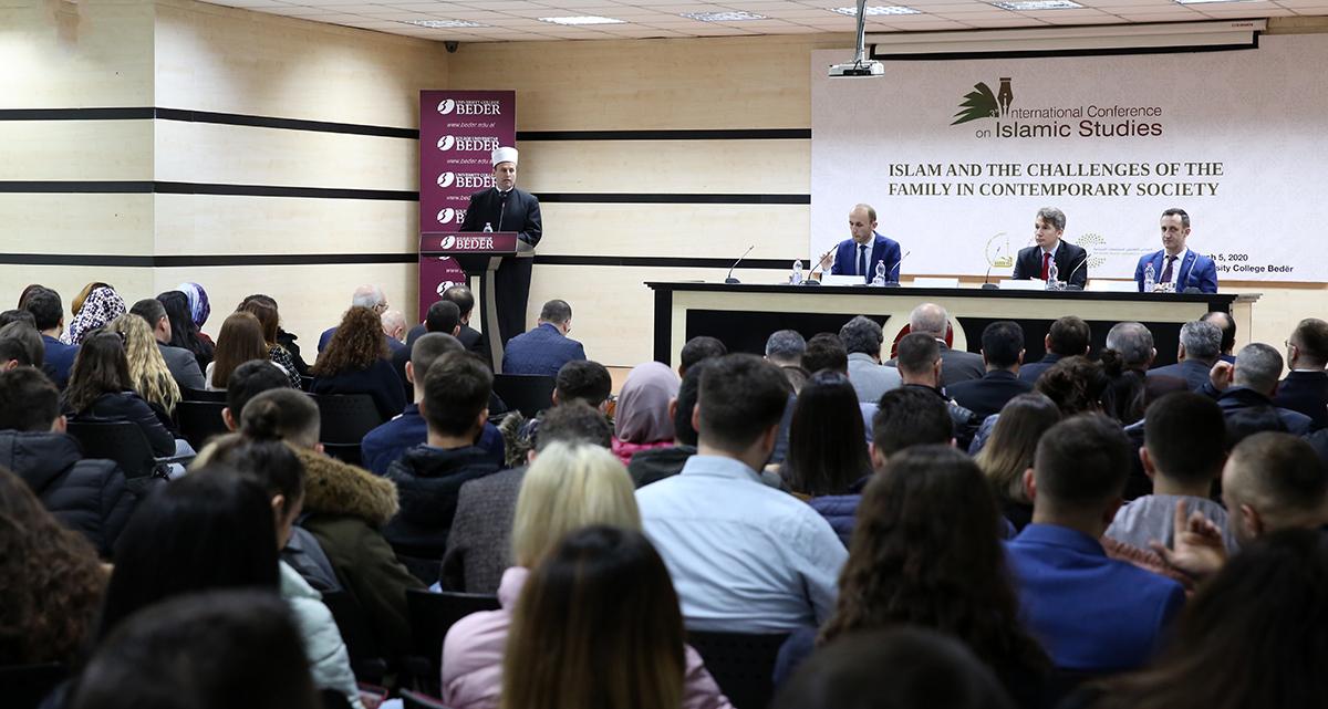 """Zhvillohet konferenca ndërkombëtare me temë: """"Islami dhe sfidat e familjes në shoqërinë bashkëkohore"""""""