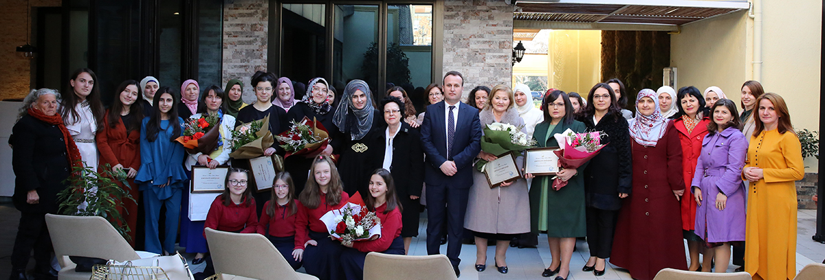 Zyra e Gruas zhvillon program festiv për 7 marsin