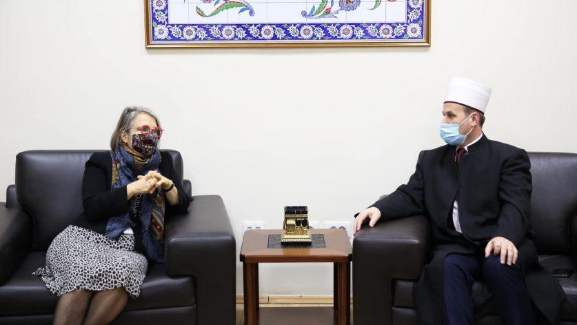 Ambasadorja e Francës, znj. Elisabeth Barsacq vizitë në KMSH