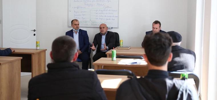 Kryetari i KMSH-së, vizitë pune në Myftininë Lushnje