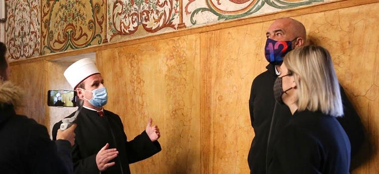 Kryetari i KMSH-së, Spahiu sëbashku me kryeministrin Rama dhe ministren Margariti inspektuan Xhaminë Et'hem Beu