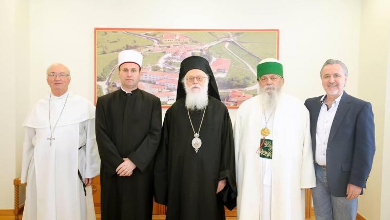 Krerët dhe përfaqësues të bashkësive fetare në Shqipëri mesazhe ngushëllimi dhe bashkimi drejtuar Komunitetit Mysliman të Shqipërisë për ngjarjen në Xhaminë Dine Hoxha
